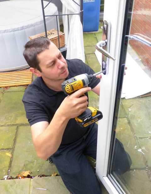 door repair warrington